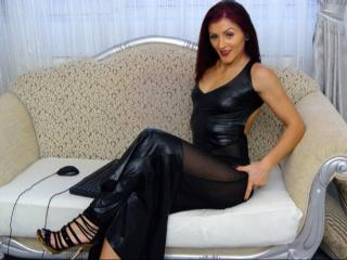 QueenStrong - Sexy live show with sex cam on XloveCam