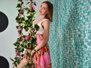 MayaLovely - Sexy live show with sex cam on XloveCam®