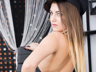 KatieSugar - Sexy live show with sex cam on XloveCam®