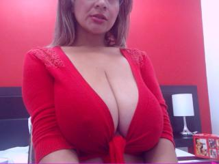 JuicyBigTits - Sexy live show with sex cam on XloveCam®