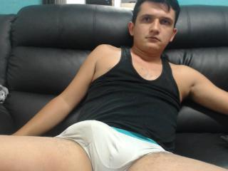 TeoMonsterCock - Sexy live show with sex cam on XloveCam