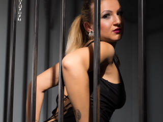 DommeDonna - Sexy live show with sex cam on XloveCam®