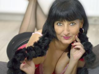 AdriannaMature - Sexy live show with sex cam on XloveCam