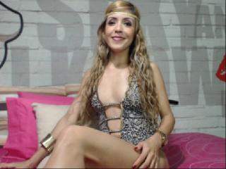 PrettyAndrea - Sexy live show with sex cam on XloveCam®