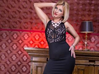 SarahSky - Sexy live show with sex cam on XloveCam®