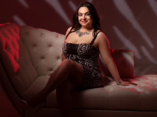 ElegantMira - Sexy live show with sex cam on XloveCam®