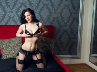 ArielleHoe - Sexy live show with sex cam on XloveCam®