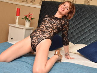 DivineClara - Sexy live show with sex cam on XloveCam®