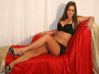 EmilyRed - Sexy live show with sex cam on XloveCam®
