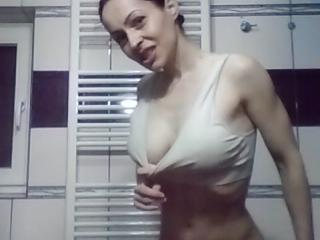 Ziva - Sexy live show with sex cam on XloveCam®