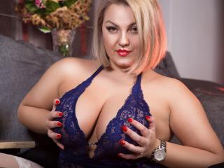 MarillynDoll - Sexy live show with sex cam on XloveCam®