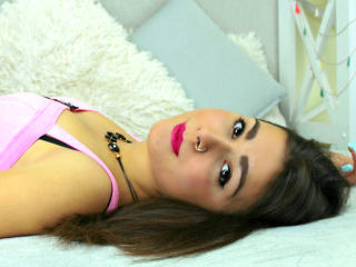 ElmiraW - Sexy live show with sex cam on XloveCam®
