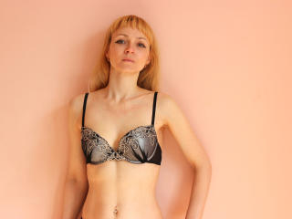 AlisaSims - Sexy live show with sex cam on XloveCam®