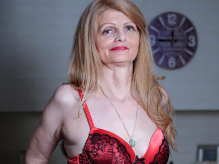 MatureCecilia - Show sexy et webcam hard sex en direct sur XloveCam®
