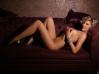 UniqueShea - Sexy live show with sex cam on XloveCam®