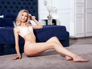 VeroniqueVales - Sexy live show with sex cam on XloveCam®