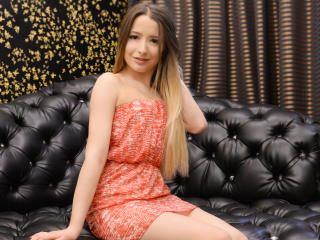 SophyaElise - Sexy live show with sex cam on XloveCam®