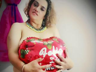 GorditaSexyHott - Sexy live show with sex cam on XloveCam®
