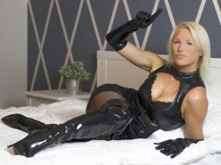 HotSexyNiki - Show sexy et webcam hard sex en direct sur XloveCam®