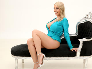 SweetJoy - Show sexy et webcam live sexe en direct sur XloveCam®