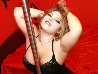 CurvySonya - Sexy live show with sex cam on XloveCam®