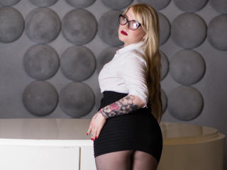 KittyJessica - Sexy live show with sex cam on XloveCam®