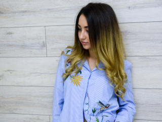 SweetnessForYou - Sexy live show with sex cam on XloveCam®