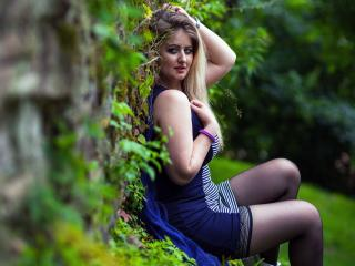 Asira - Sexy live show with sex cam on XloveCam®