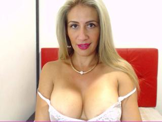 Angii - Show sexy et webcam hard sex en direct sur XloveCam®