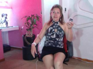 LadyLucky - Sexy live show with sex cam on XloveCam®