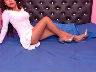 BelleAnax - Sexy live show with sex cam on XloveCam®