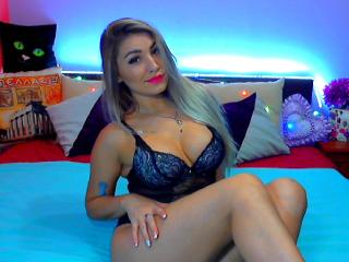 Missteaste - Sexy live show with sex cam on XloveCam®