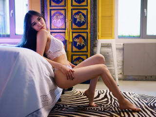 LilaNuah - Sexy live show with sex cam on XloveCam®