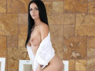 SuzanneX - Sexy live show with sex cam on XloveCam®