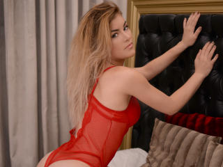 AshleyLouise - Sexy live show with sex cam on XloveCam®