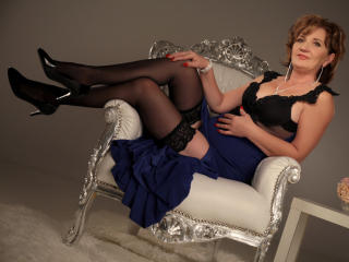 ExperiencedAlana - Show sexy et webcam hard sex en direct sur XloveCam®