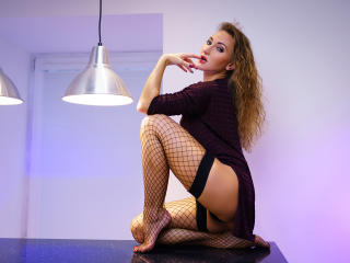 KristinaLuna - Sexy live show with sex cam on XloveCam®