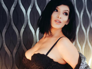 RebecaSage - Sexy live show with sex cam on XloveCam®