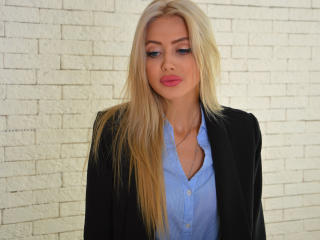 Capricious - Sexy live show with sex cam on XloveCam®
