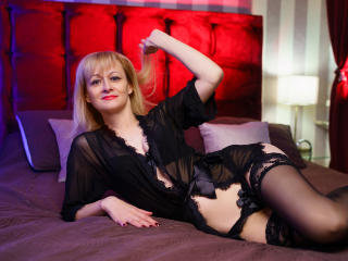 EllenMoore - Sexy live show with sex cam on XloveCam®