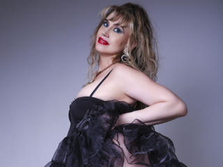 LadyMariahX - Show live porn with this shaved sexual organ Sexy mature