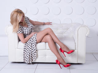 HotTitsSquirtPussy - Web cam exciting with a European Sexy lady